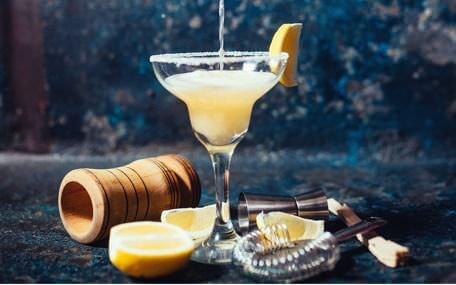 Cocktailprovning med The Cat Bar Presentkort