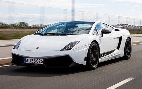 Kør Ferrari eller Lamborghini i 30 minutter