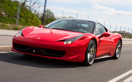 Kør Ferrari eller Lamborghini i 15 minutter